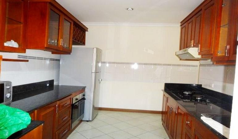 Apartment-Ciputra  (16)