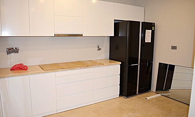 spacious apartment in ciputra (10)