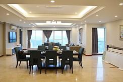 spacious apartment in ciputra (14)