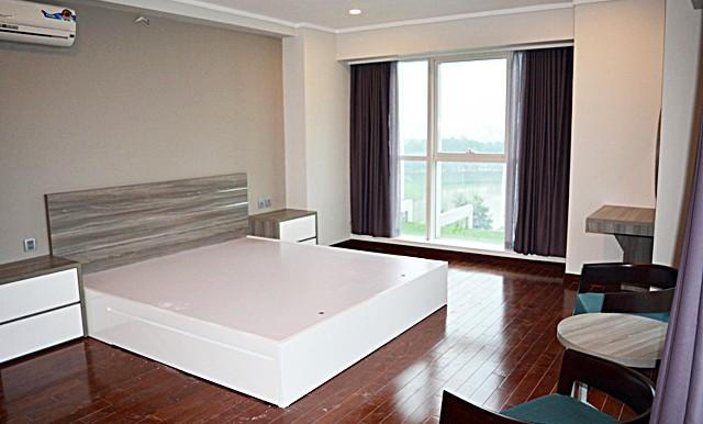 spacious apartment in ciputra (15)