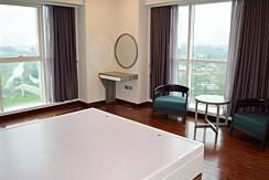spacious apartment in ciputra (16)