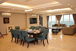 spacious apartment in ciputra (2)