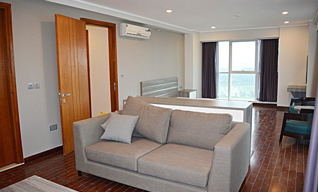spacious apartment in ciputra (20)