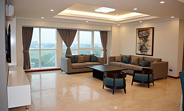 spacious apartment in ciputra (4)