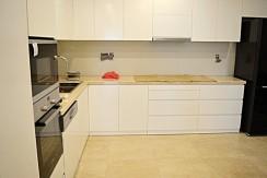 spacious apartment in ciputra (9)