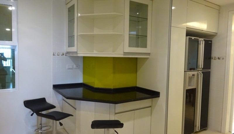 Ciputra Apartment 03